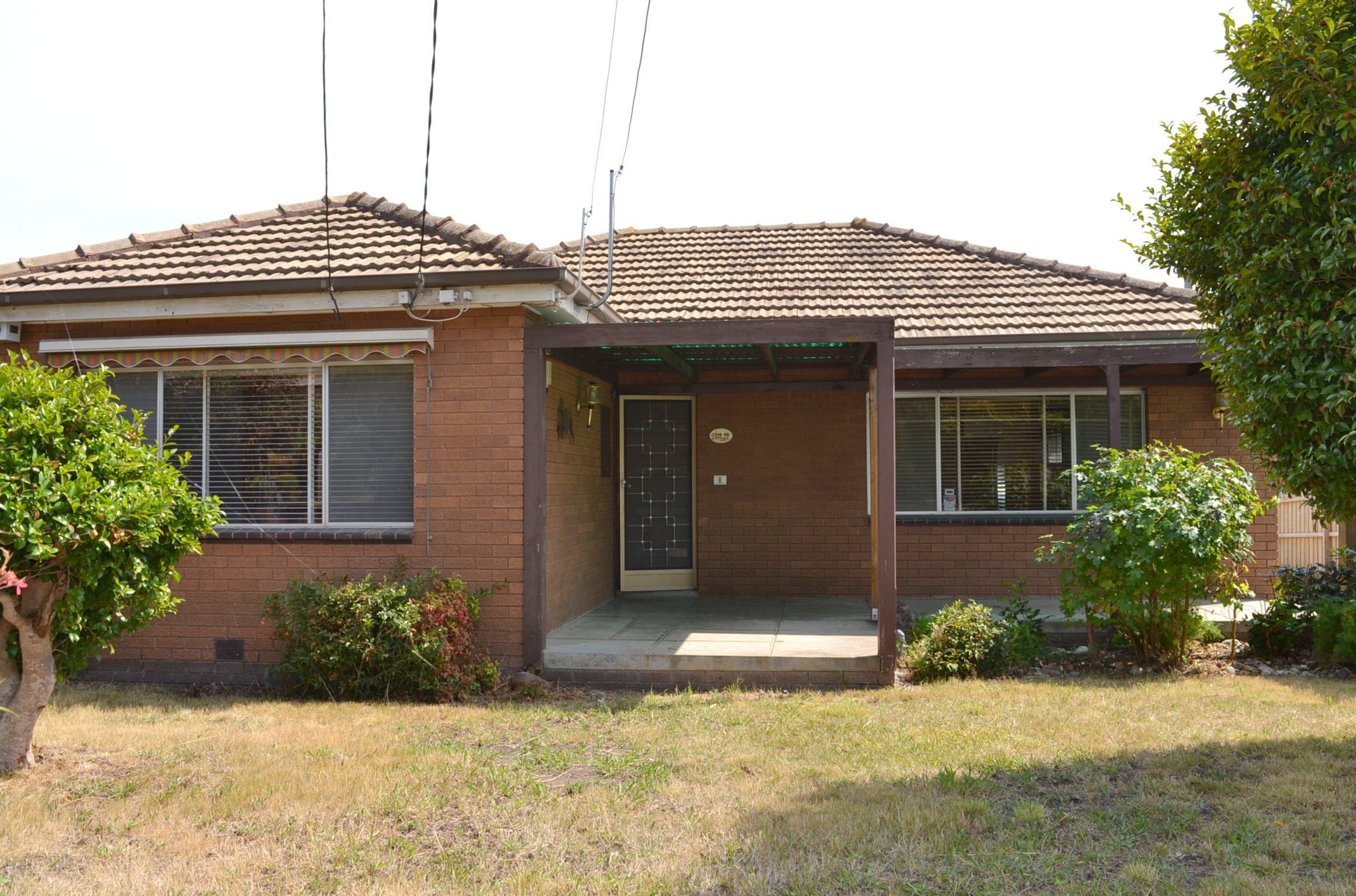 FULLY RENOVATED SPACIOUS FAMILY HOME