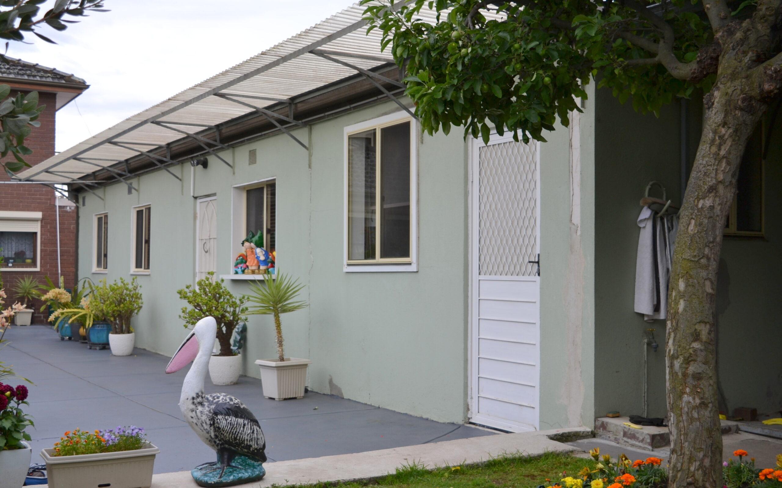 UNIQUE TWO BEDROOMS BUNGALOW – SPRINGVALE CENTRAL